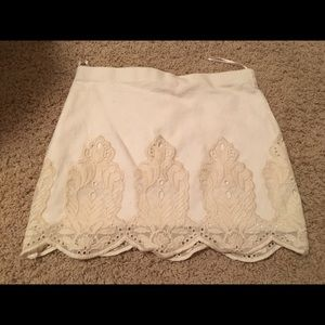 Zara size small linen and lace ivory skirt